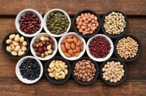 Υγιεινή διατροφή πλούσια σε πρωτεΐνες σίδηρο και βιταμίνες. 7