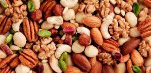 Υγιεινή διατροφή πλούσια σε πρωτεΐνες σίδηρο και βιταμίνες. 6